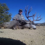 Giant-mule-deer-taken-on-guided-hunt-in-New-Mexico-web