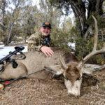 bow-huntig-mule-deer-in-new